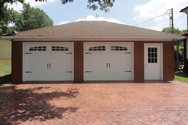 Coach House Garage in Glen Carbon, Illinois