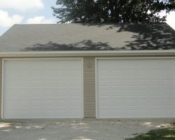 #J0157 - Garage in Roxana