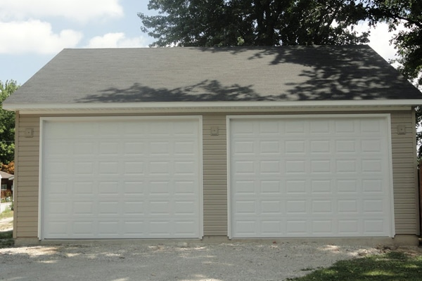 Coach House Garage in Roxana, Illinois