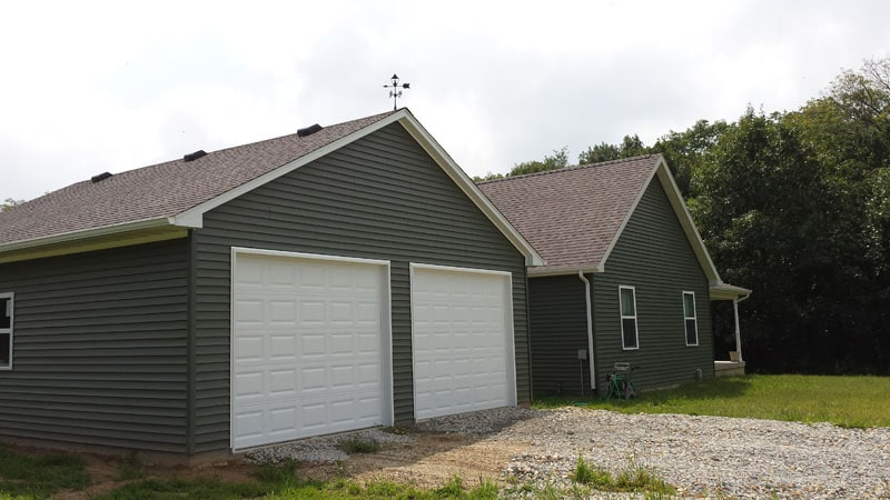 M0172 Garage In Jewett Coach House Inc