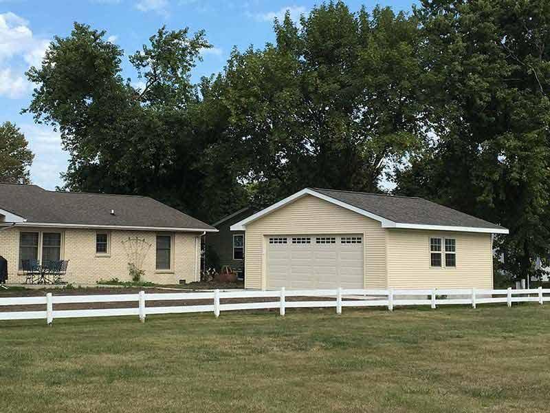 Q0175 Garage In Arthur Coach House Inc