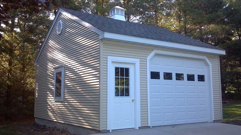 K0143 Garage In Bloomington Coach House Inc