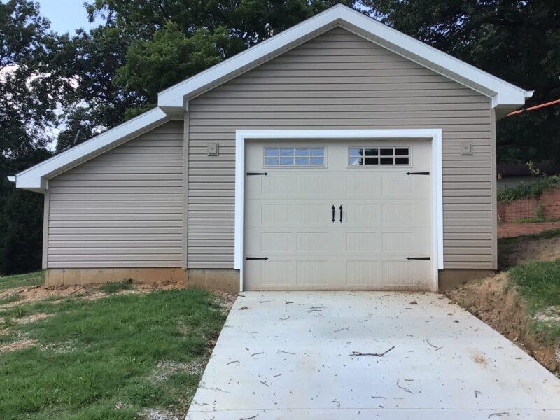 #T0424 – Garage in St. Louis